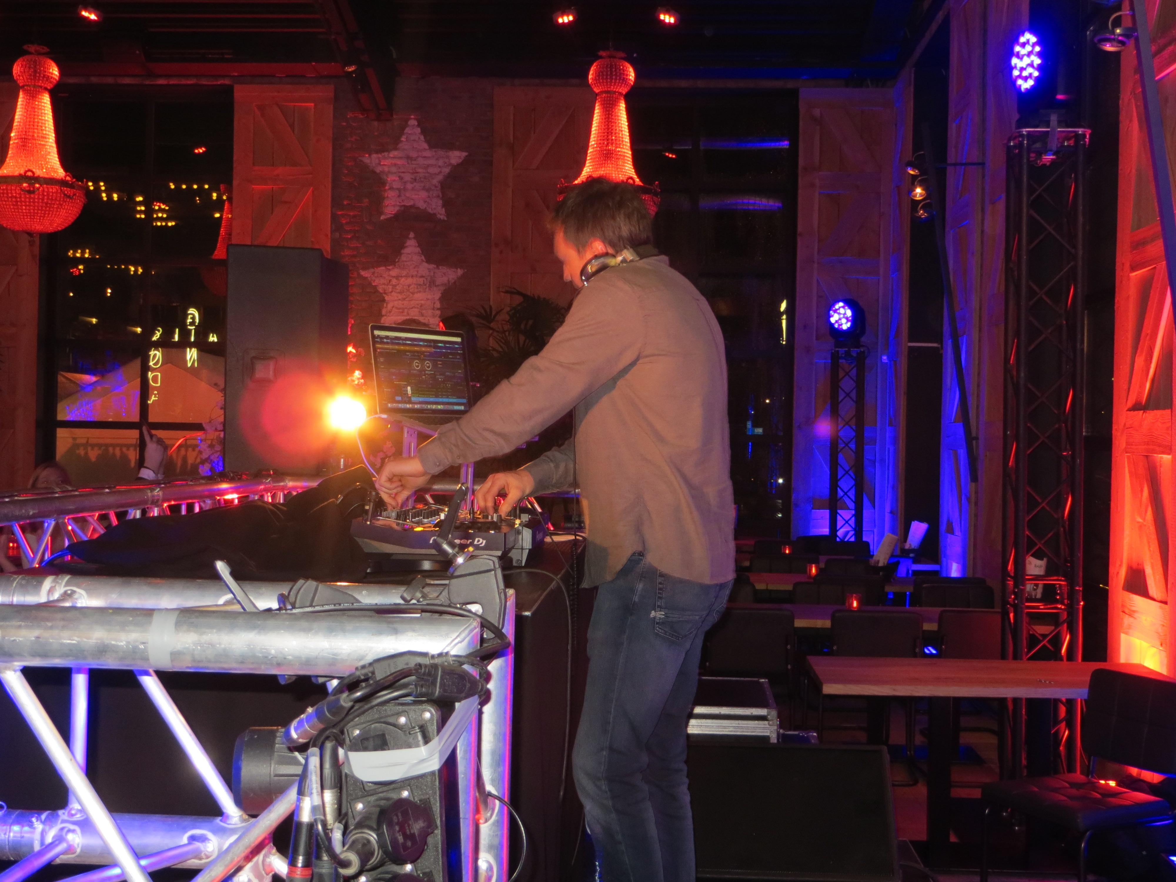 DJ BARN47