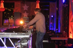 DJ die van alles draait